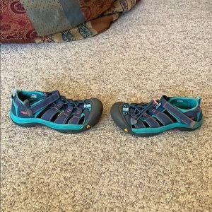 Keen grey & green H20 Trail sport Newport sandal 3